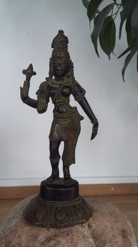 Shiva als männliche und weibliche Statue